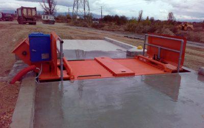 ИНТЕРБУЛИТ ЕКИП ЕООД  достави, монтира и пусна в експлоатация инсталации за измиване на гуми и шасита на товарни автомобили