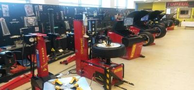 Машини за демонтаж/монтаж и баланс на гуми CORGHI Италия