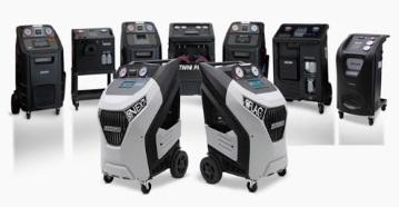 Машини за обслужване на автоклиматици на леки и товарни автомобили, строителна и селскостопанска техника ECOTECHNICS Италия